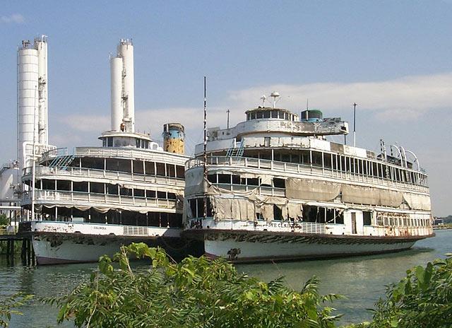 Park Marina Motors >> Boblo Boats Rotting away in Nicholson Marina - Detroit