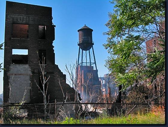 01-StudebakerRearSigntower.jpg