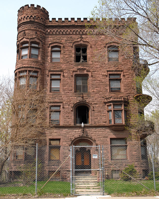 The Fabulous Apartment Ruins Of Detroit