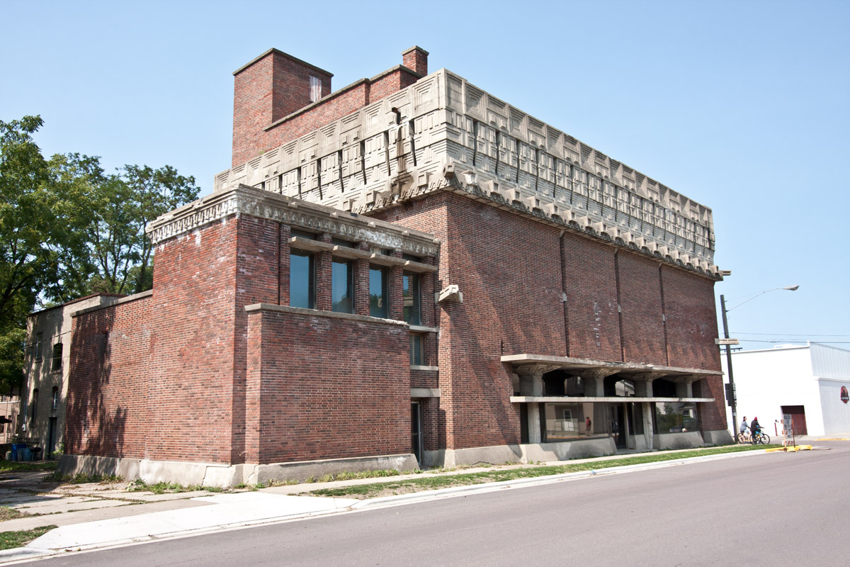 Ad german warehouse by frank lloyd wright in richland for Building a house in wisconsin